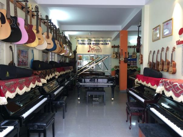 Showroom Bán đàn Piano tại Cầu Giấy